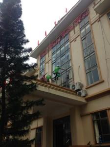 Dịch-vụ-vệ-sinh-công-nghiệp-tại-hạ-long-MTV-Khesim-9